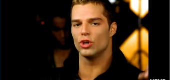 Ricky Martin – Livin' La Vida Loca (1999) (vidéoclip)