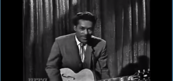 Chuck Berry – Sweet Little Sixteen (1958) (vidéoclip & paroles)