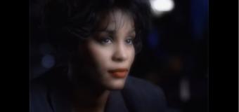 Whitney Houston et ses succès – Sa carrière en chansons et en vidéoclips (les années 90)